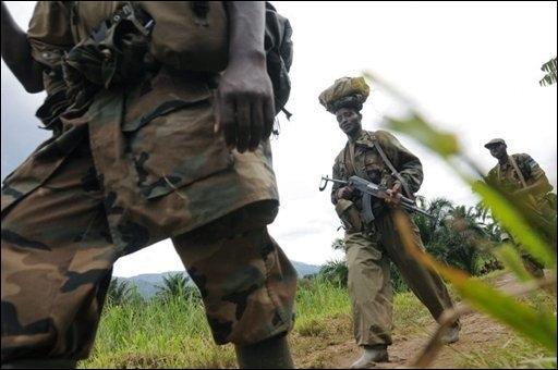 soldats_rwandais_prs_de_pinga.jpg